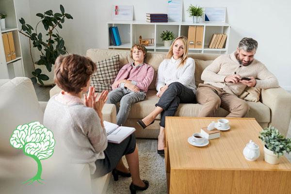 مشاوره خانواده برای چه کسانی مفید است؟